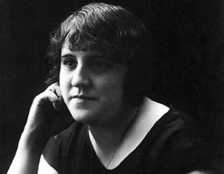 La  poeta Clementina Arderiu