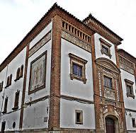 Casino Prado Suburense. Juntament amb el conjunt de Maricel és un dels edificis més representatius del Noucentisme a Sitges.