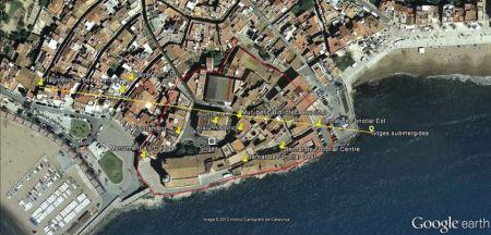 El mapa de Sitges amb indicació dels punts on s'han trobat restes arqueològiques al Puig de Sitges.